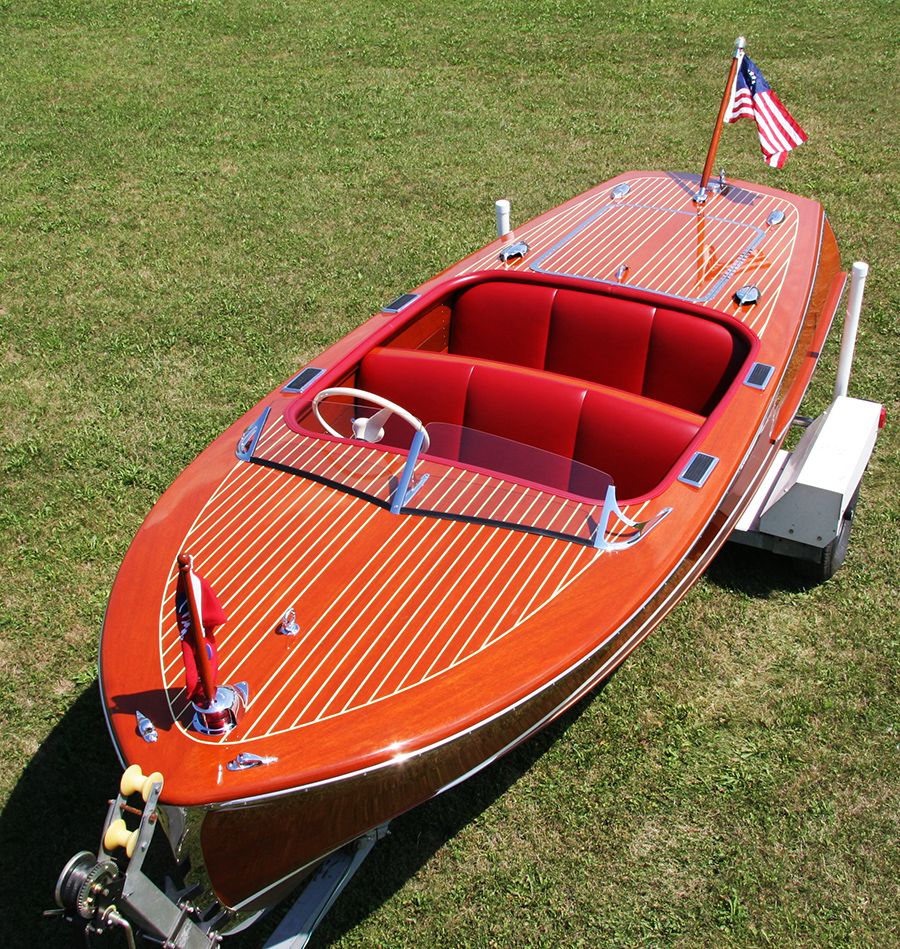 1948 Chris Craft 17 ft Deluxe Runabout