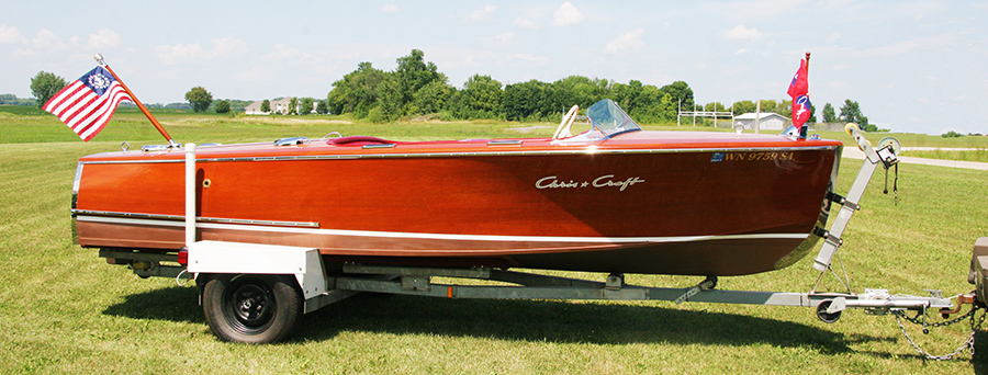 Chris Craft 17 ft Deluxe Runabout