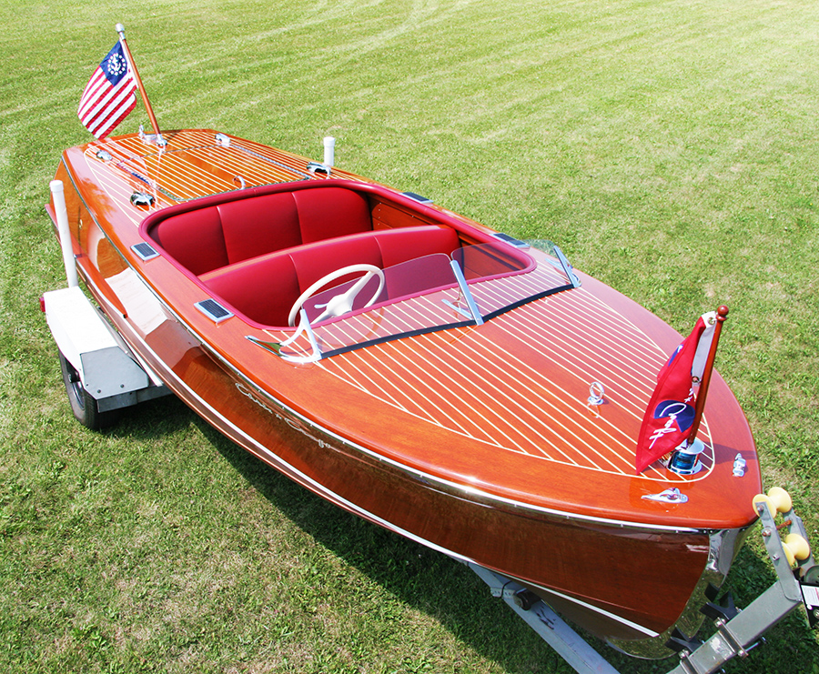 Chris Craft 17' Deluxe Runabout