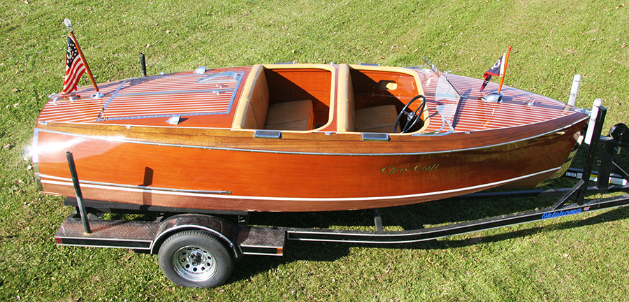 Chris Craft Barrel Back Runabout