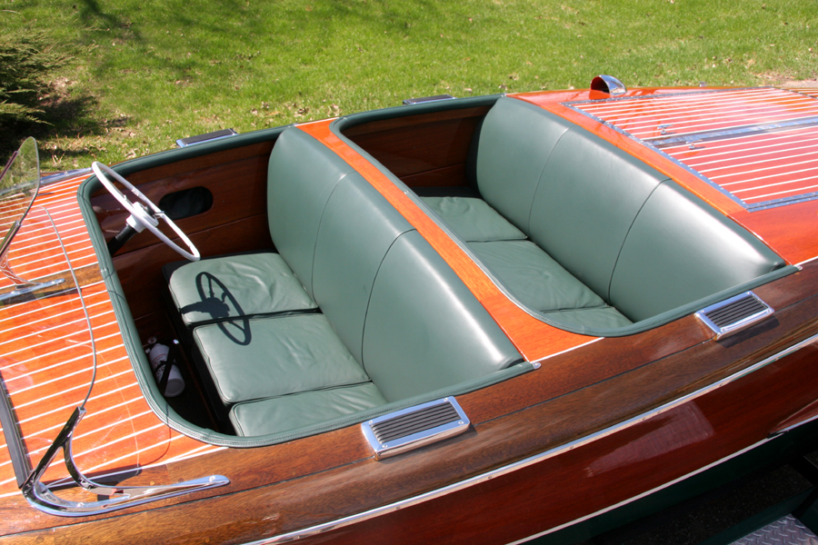 Chris-Craft 17' Barrel Back