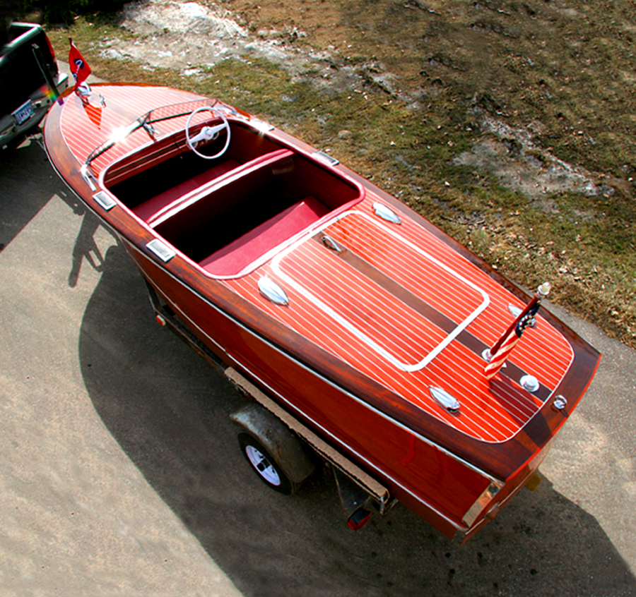 Antique Chris Craft 17' Deluxe Runabout