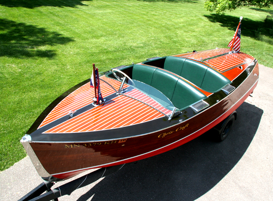 Chris-Craft 17' Deluxe Runabout