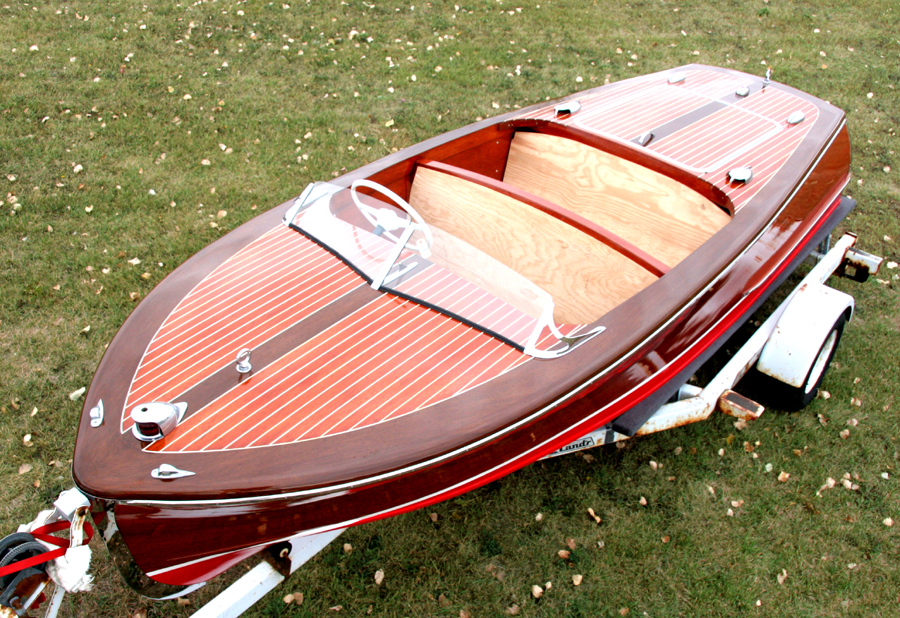 1948 17' Classic Chris Craft Deluxe Runabout project boat