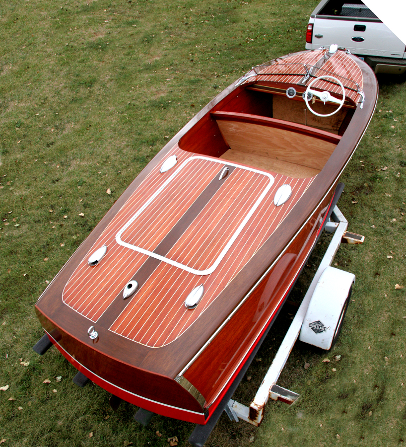 classic boats - 17' Chris Craft Runabout