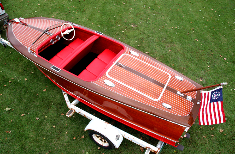1948 17' Chris Craft Deluxe Runabout