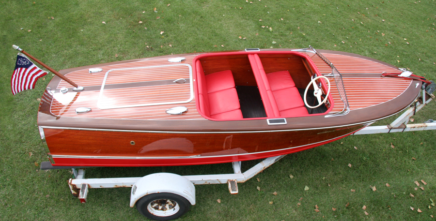 Chris Craft 17 ft Deluxe Runabout Double Cockpit upholstery