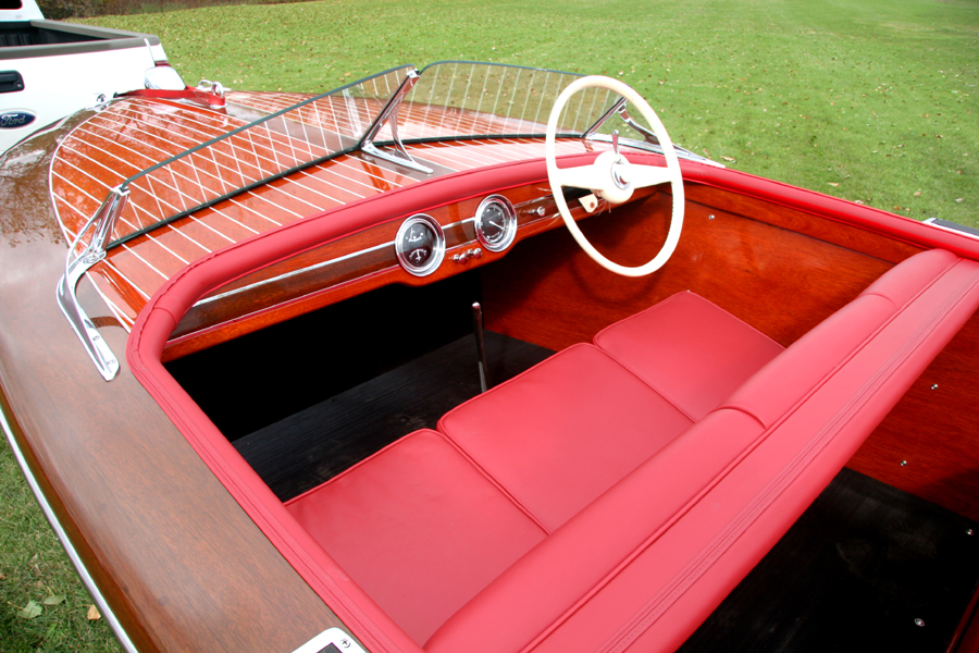 1948 17' Chris Craft Deluxe Runabout Dashboard
