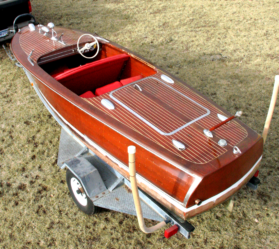 1947 17 Chris Craft Deluxe Runabout For Sale