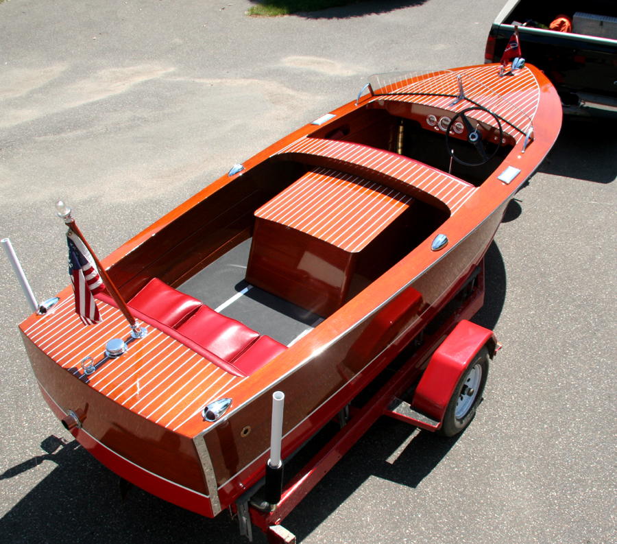 Chris-Craft 1950 17' Special Runabout (13k)
