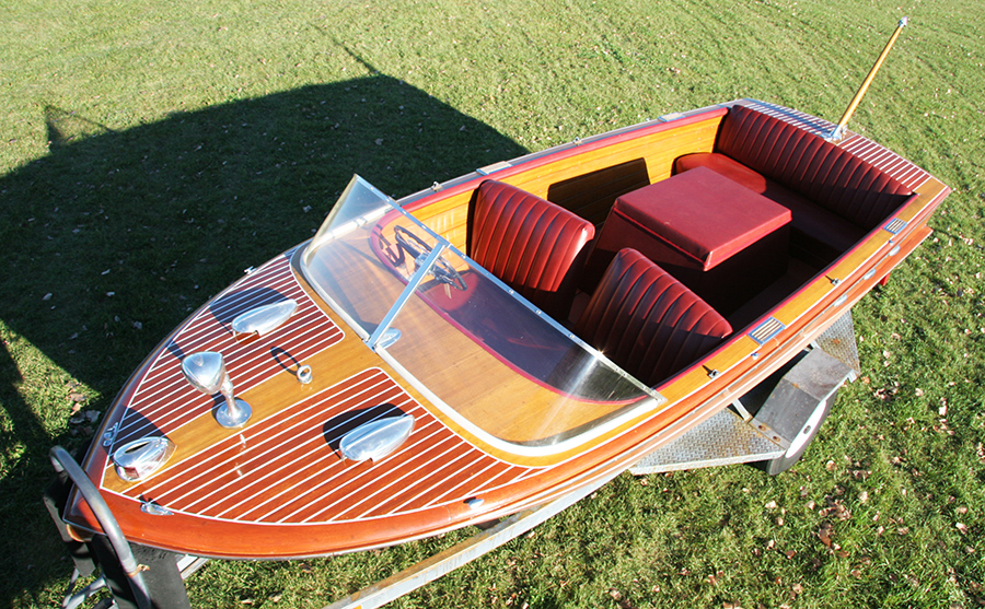 1958 Chris Craft 18' Continental Classic Utility