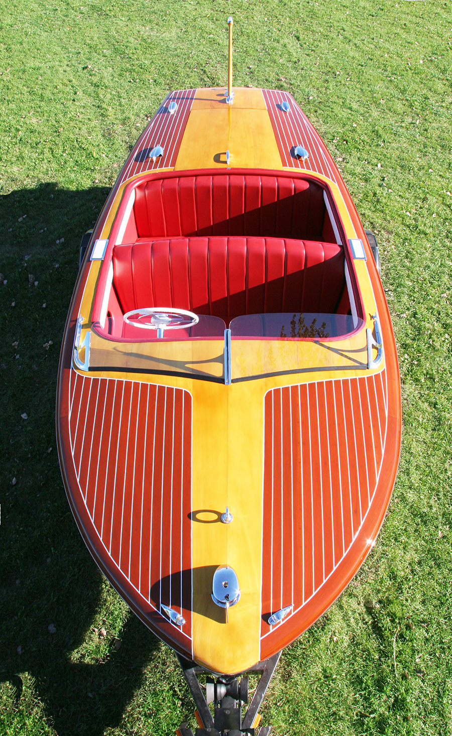 chris craft 18' Riviera 1950s classic boat