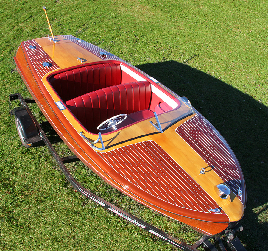 chris craft 18' Riviera Runabout