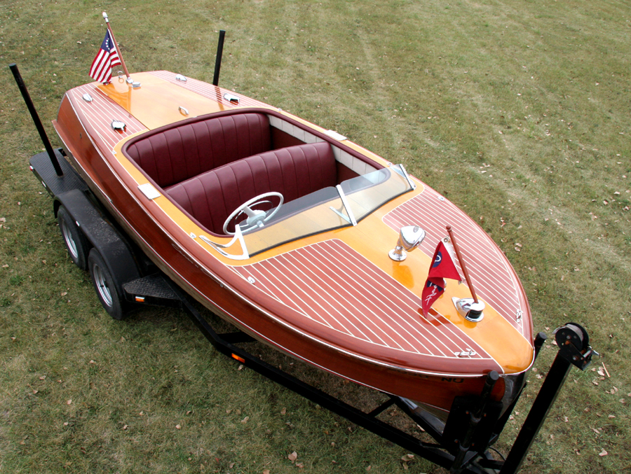 1952 18' Chris Craft Riviera Runabout