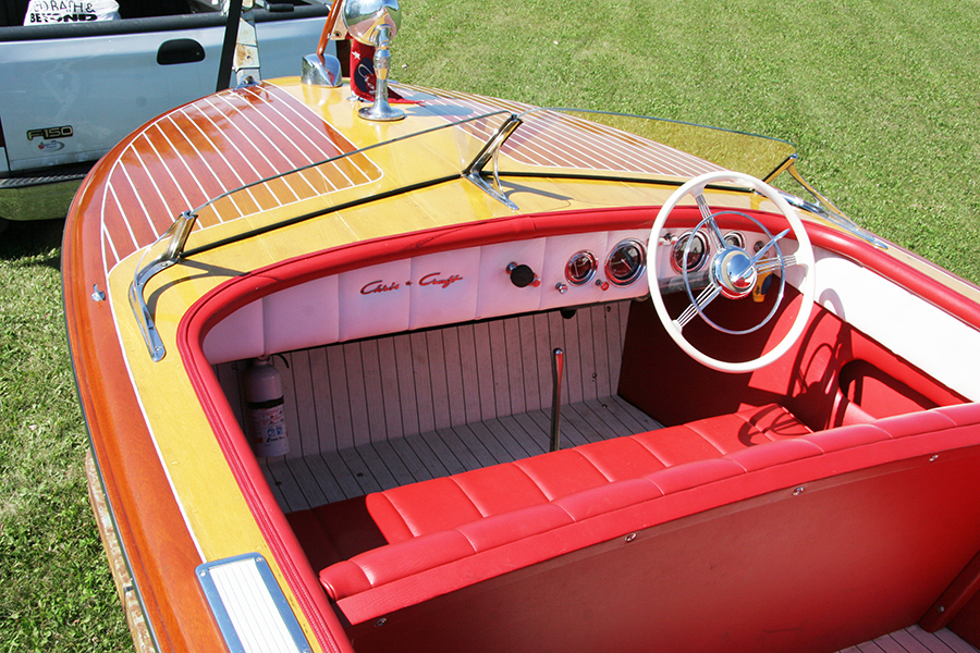 1950 18' Chris Craft Riviera Runabout