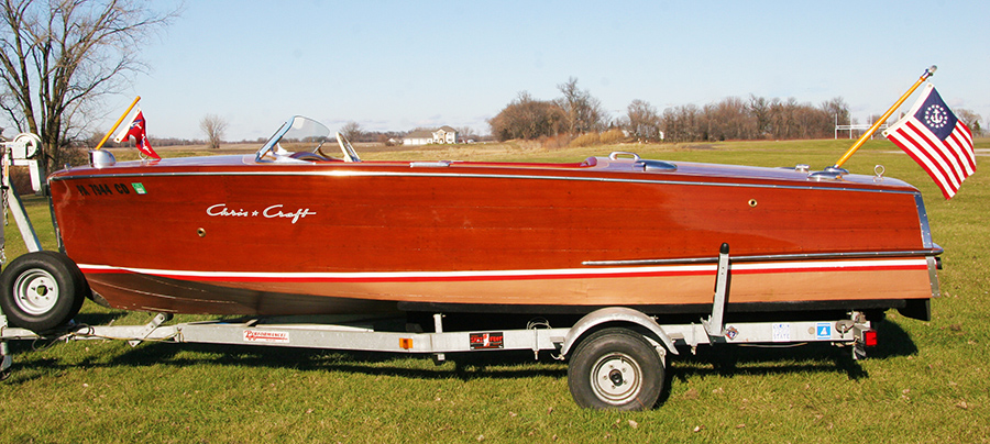 Chris Craft 18' Riviera starboard