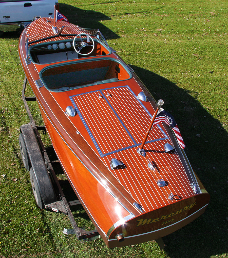1941 19' Chris Craft Custom Runabout Barrel Back