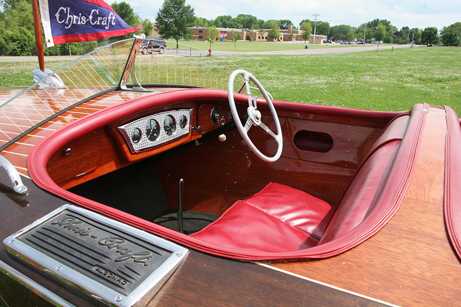 1937 19' Chris Craft Custom Runabout dash board and steering wheel