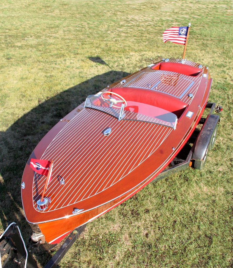1954 Chris Craft 19' Racing Runabout Front Deck