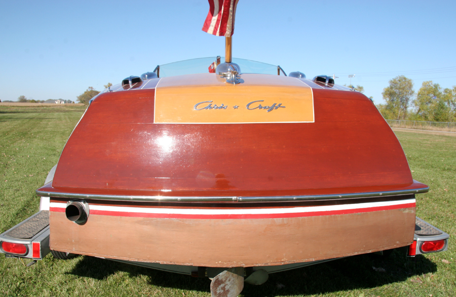 Classic Boats - 20' Chris-Craft Custom Runabout Wooden Boat