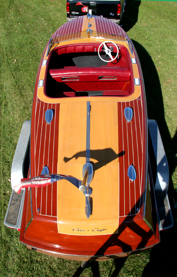 Classic Boats - 20' Custom Runabout 1947