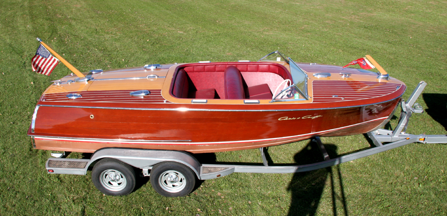 Classic Boats - 20' Custom Runabout