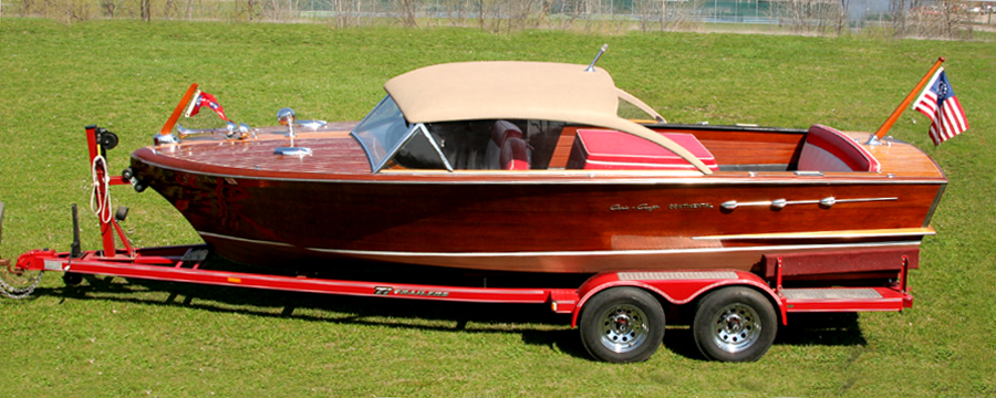 Chris Craft 22' Continental Hardtop classic wooden boat