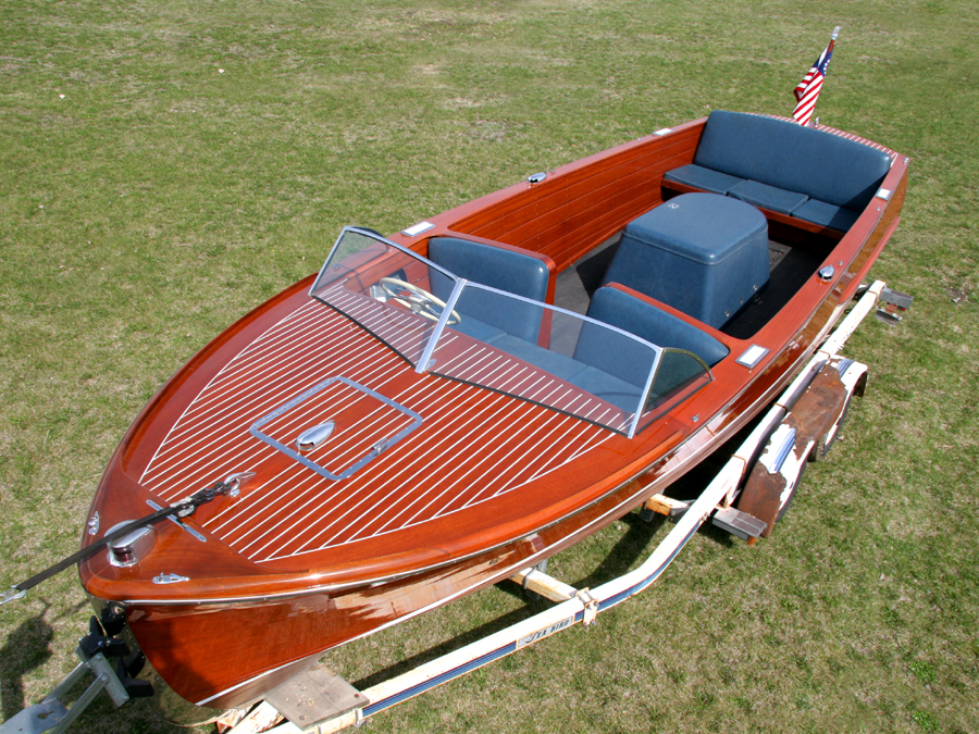 22 ft Chris-Craft Sportsman