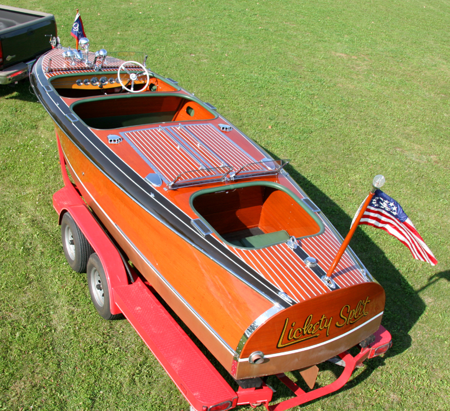 23' Chris-Craft Barrel Back