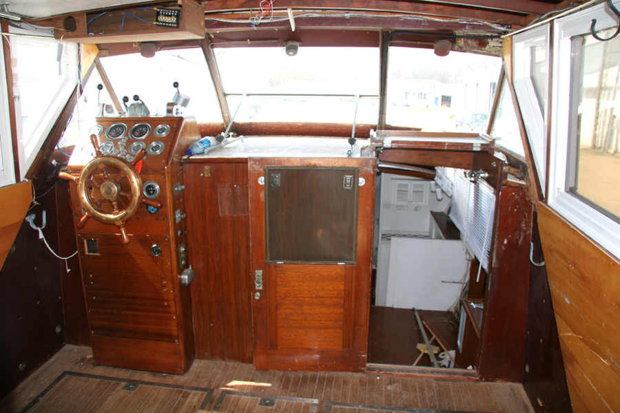 large constellation project cabin cruiser teak floor