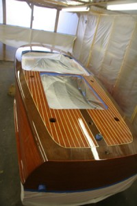 varnish-booth-for-wooden-boat-300px-22k