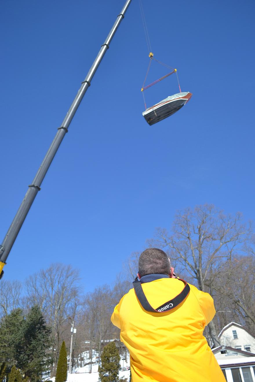 crane-lifting-boat-003