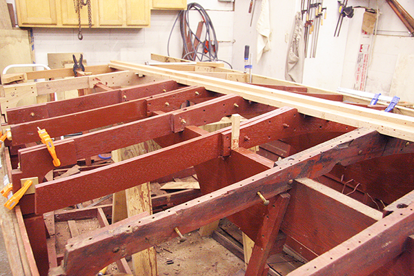 Fitting a new frame knee in 5200 bottom