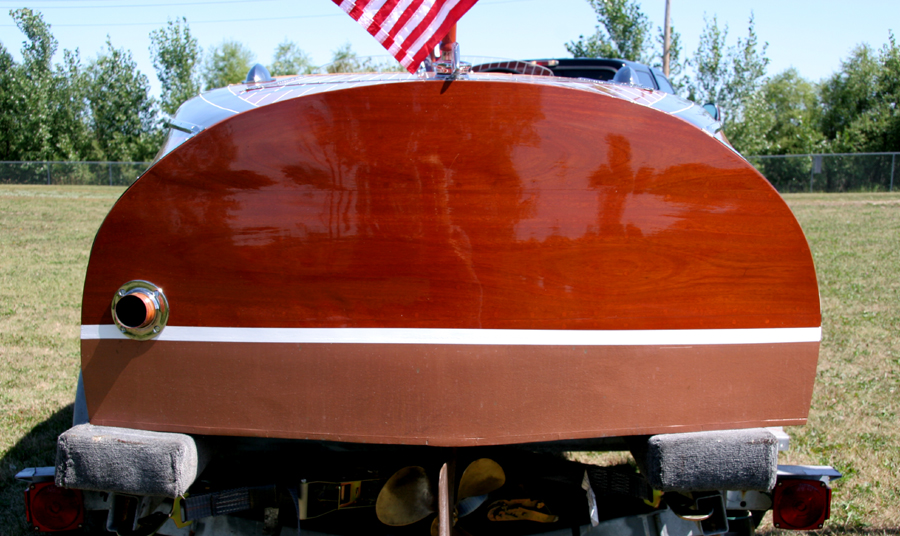 1940 17' Chris Craft Deluxe Runabout transom