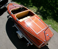 1940 17' Chris-Craft Barrel Back Antique Runabout