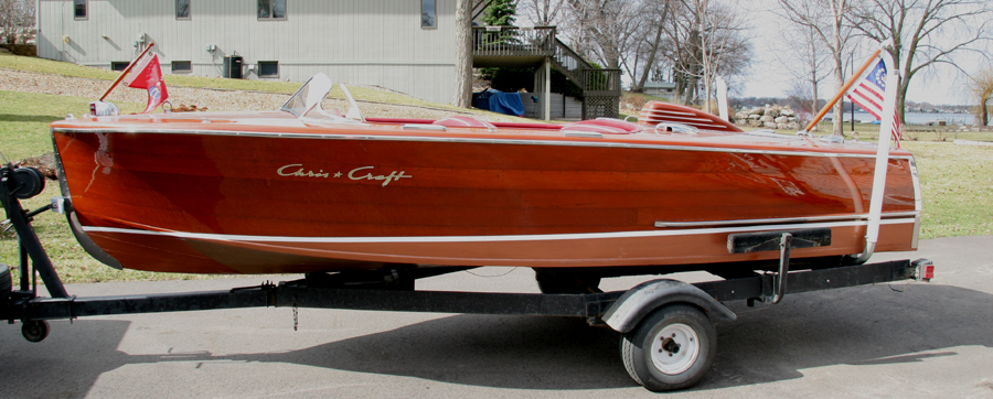 17' Chris Craft Deluxe Runabout