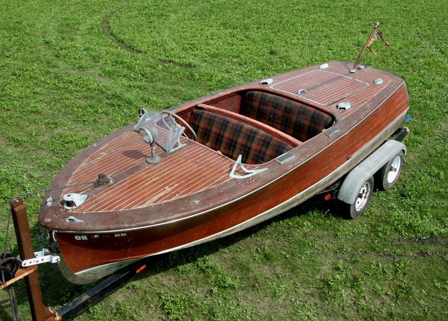 1948 17 Deluxe Runabout 12 500