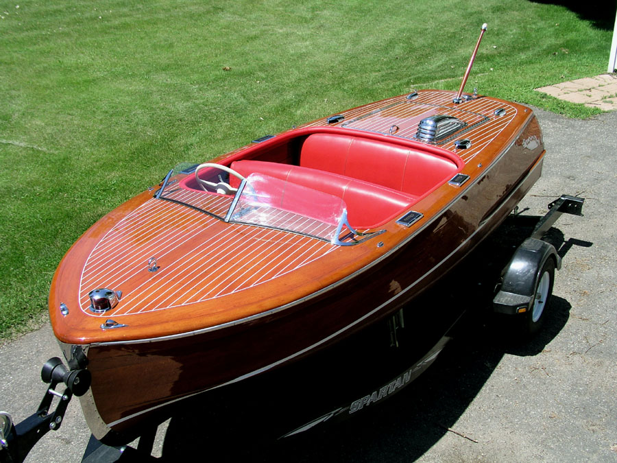 Classic boats 1948 chris craft 17 ft deluxe runabout for Classic chris craft boats