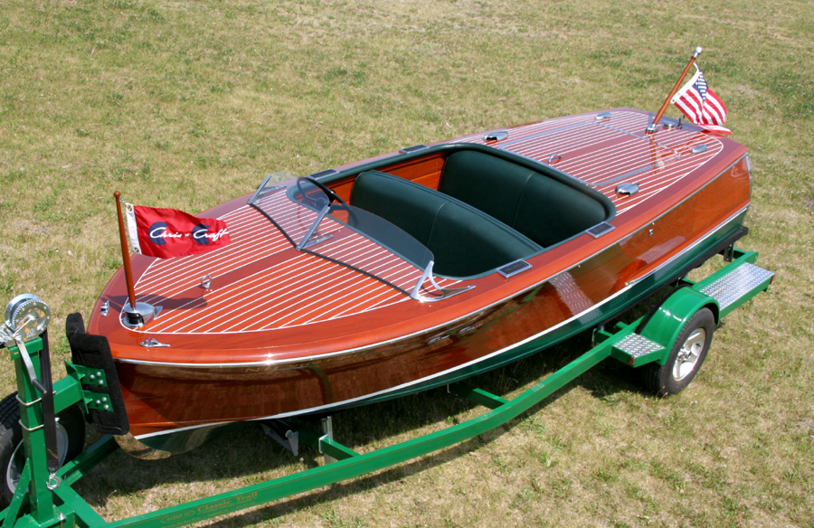 1947 Classic Chris Craft Deluxe Runabout