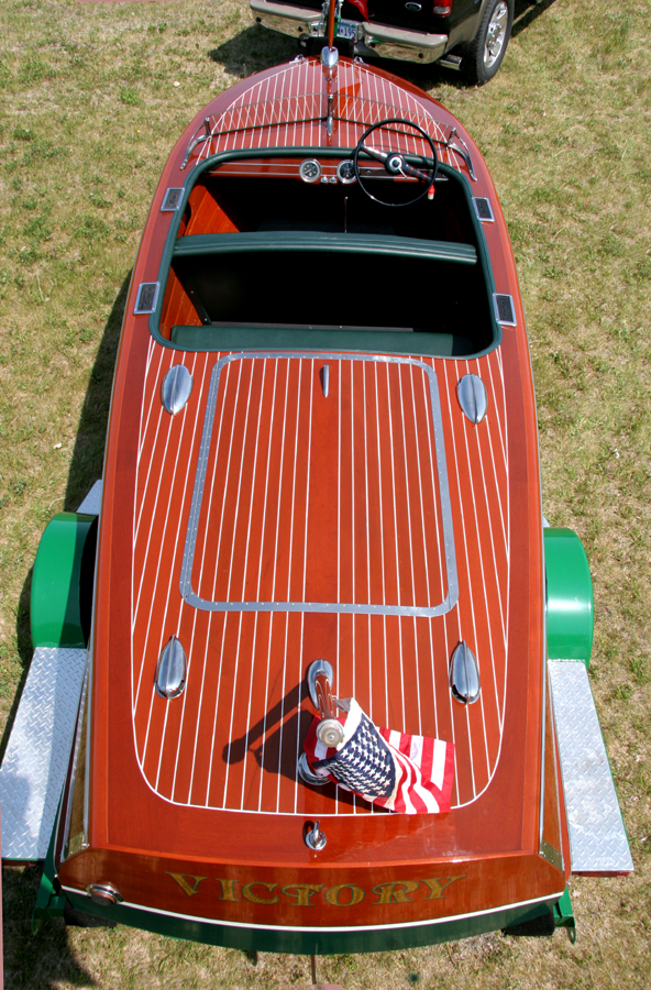 1947 Deluxe Runabout