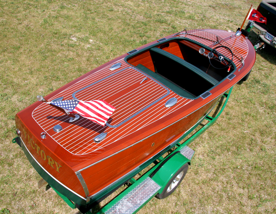 Rear deck - 1947 Chris Craft Deluxe Runabout