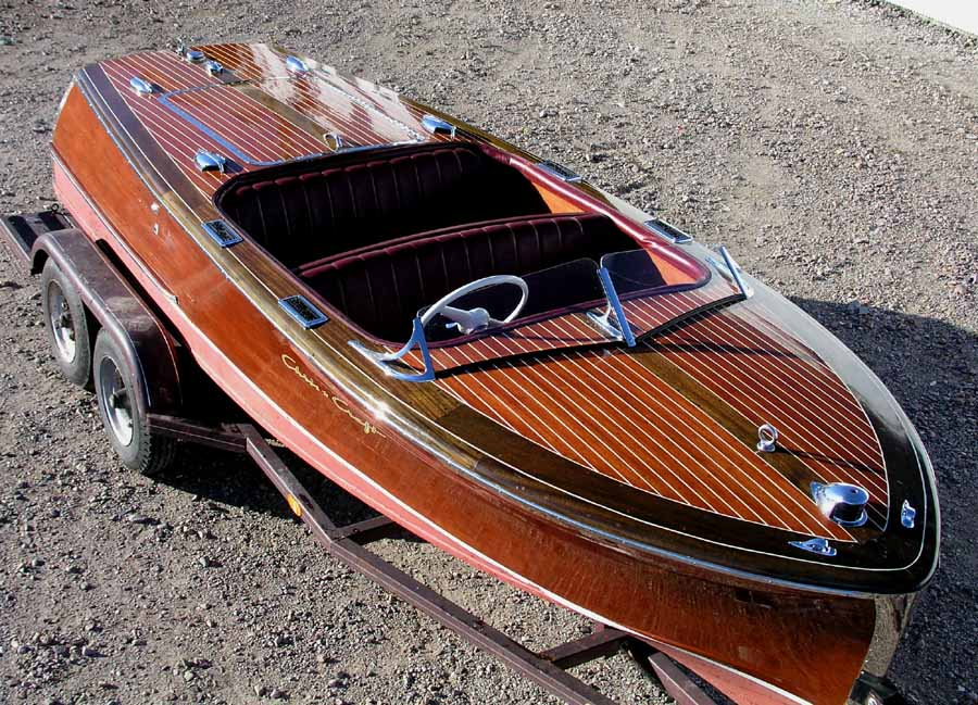 Chris Craft 17 Foot Deluxe Runabout 1949