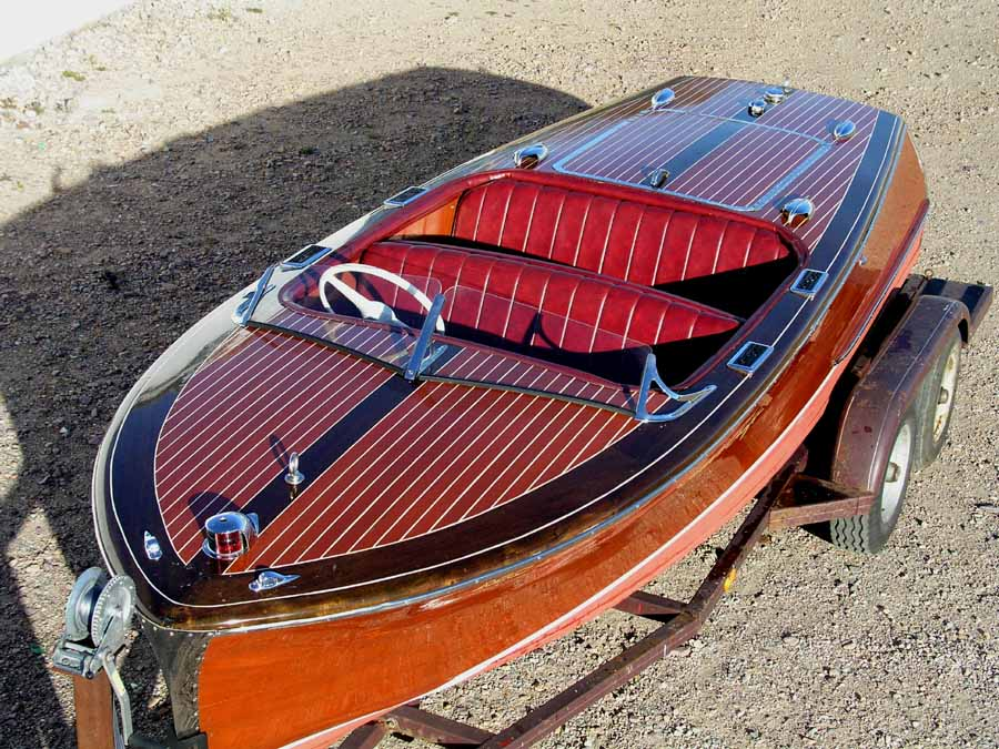 1949 Chris Craft 17' Deluxe Runabout