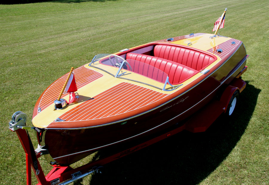 1952 18 ft Chris Craft Riviera