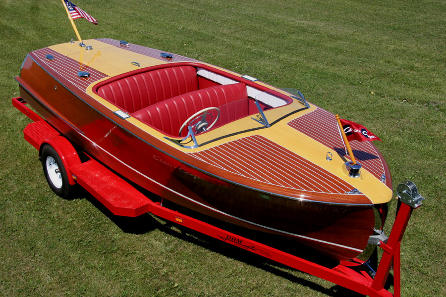 Chris Craft 1952 18 Ft Riviera Runabout