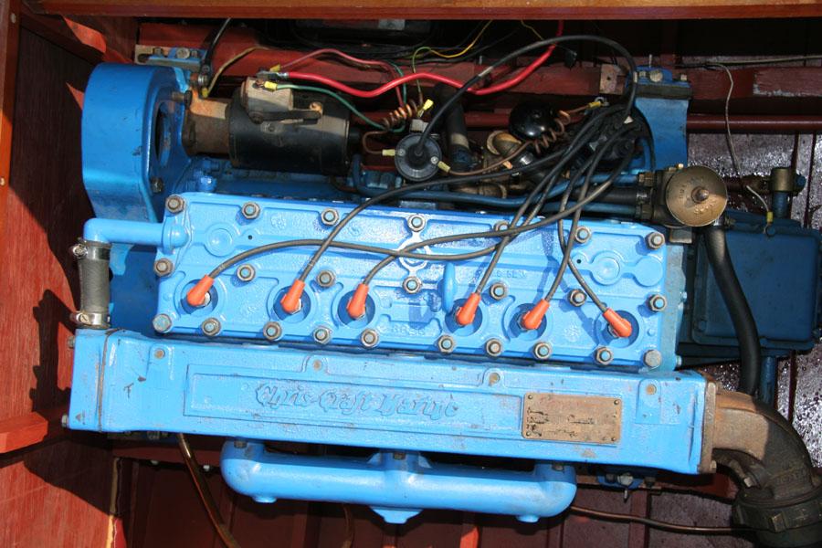 1952 18' Chris Craft Riviera Excellent restored condition.
