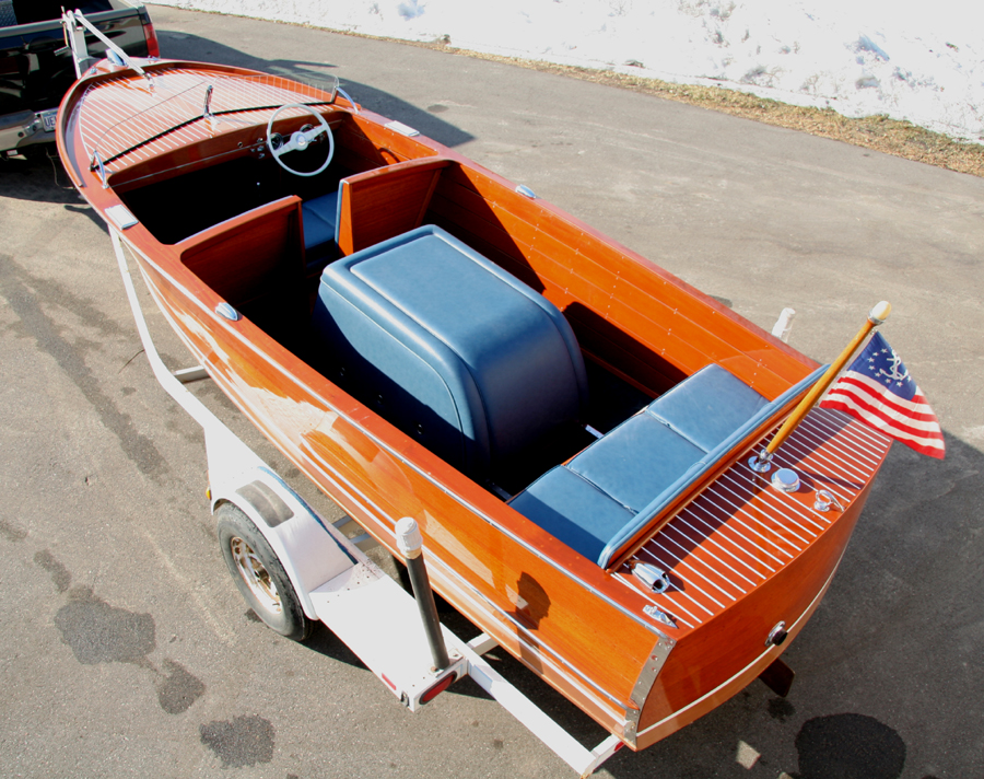 Wooden Boat - 1951 18' Chris Craft Sportsman