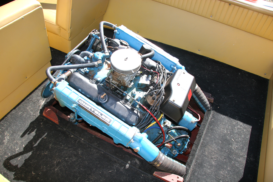 Chrysler 318 V8