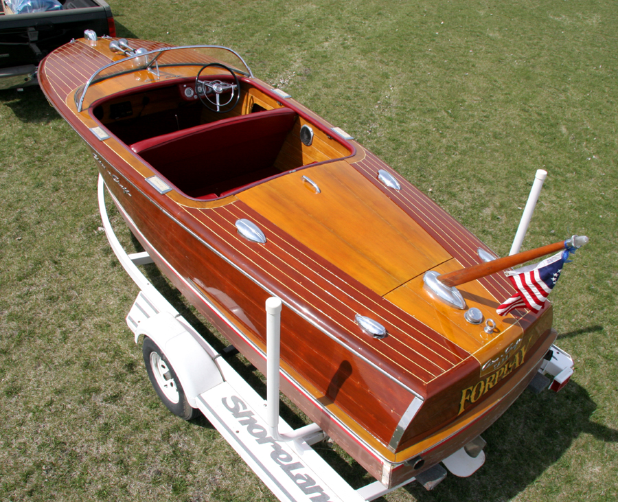 Classic Wooden Runabout