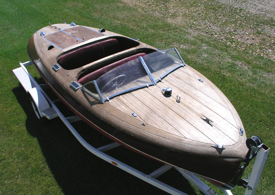 Classic Boats - 19 ft Barrel Back